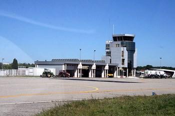 Autovuokraamo Avignon Lentokenttä