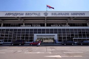 Alugar carros Belgrado Aeroporto