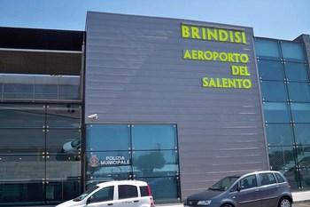 Biluthyrning Brindisi Flygplats