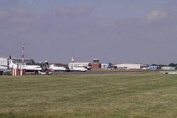 Autovuokraamo Coventry Lentokenttä