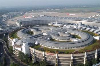 Biluthyrning Düsseldorf Flygplats