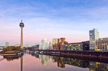 Autovuokraamo Düsseldorf