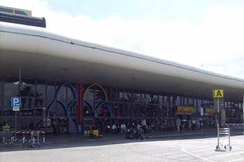 Autovuokraamo Faro Lentokenttä