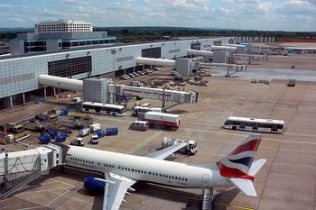 Autovuokraamo Gatwick Lentokenttä