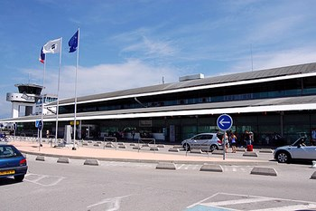 Wynajem samochodu Corsica Lotnisko