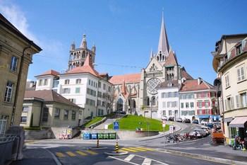 Biluthyrning Lausanne