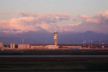Biluthyrning Milano Malpensa Flygplats