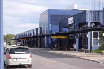 Autovuokraamo Oulu Lentokenttä