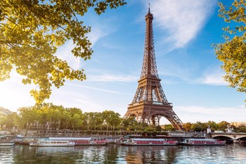 Wynajem samochodu Paryż