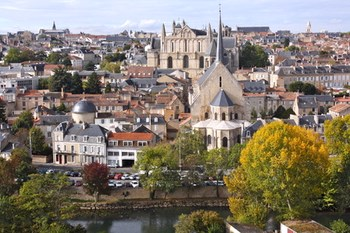 Noleggio auto Poitiers