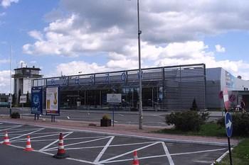 Autovuokraamo Rzeszów Lentokenttä