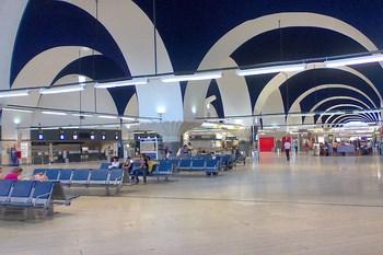 Alugar carros Sevilha Aeroporto