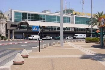 Autovuokraamo Tel Aviv Lentokenttä